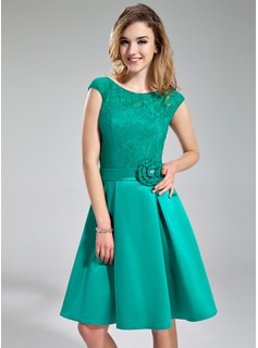 A-Line/Princess Scoop Neck Knee-Length Satin Lace Bridesmaid Dress With Beading Flower(s)