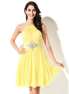 A-Line/Princess Scoop Neck Short/Mini Chiffon Charmeuse Homecoming Dress With Ruffle Beading Sequins
