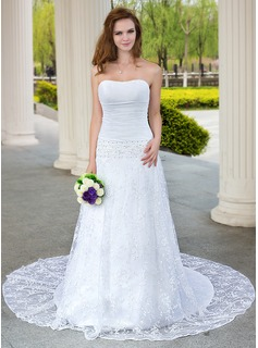 A-Line/Princess Sweetheart Chapel Train Taffeta Lace Wedding Dress With Ruffle Beading