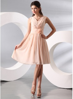 A-Line/Princess V-neck Knee-Length Chiffon Holiday Dress With Ruffle (020014095)