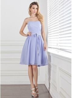A-Line/Princess Sweetheart Knee-Length Chiffon Charmeuse Bridesmaid Dress With Ruffle Sash