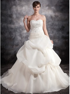 Ball-Gown Sweetheart Chapel Train Organza Satin Wedding Dress With Ruffle Lace Beading