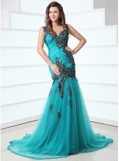 Trumpet/Mermaid V-neck Court Train Tulle Prom Dress With Ruffle Appliques