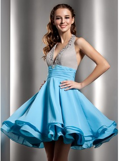 A-Line/Princess Halter Knee-Length Chiffon Homecoming Dress With Ruffle Beading (022020968)