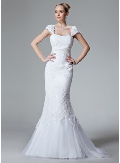 Trumpet/Mermaid Sweetheart Sweep Train Satin Tulle Wedding Dress With Lace Beading