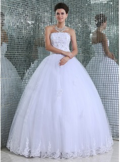 Ball-Gown Strapless Floor-Length Tulle Wedding Dress With Lace Beadwork