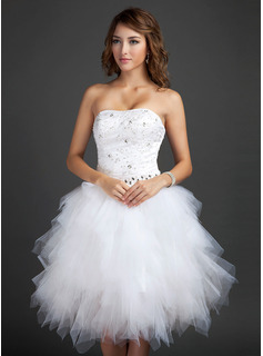A-Line/Princess Sweetheart Knee-Length Satin Tulle Homecoming Dress With Lace Beading Sequins