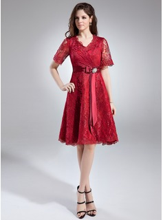 A-Line/Princess V-neck Knee-Length Charmeuse Lace Mother of the Bride Dress With Crystal Brooch