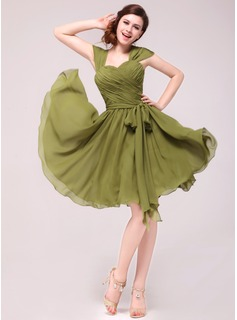 A-Line/Princess Sweetheart Knee-Length Chiffon Homecoming Dress With Ruffle (022014004)