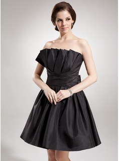 A-Line/Princess Scalloped Neck Short/Mini Taffeta Homecoming Dress With Ruffle Bow(s)