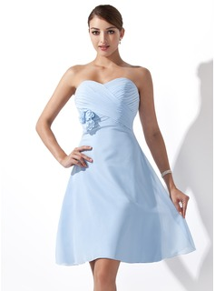 Empire Sweetheart Knee-Length Chiffon Bridesmaid Dress With Ruffle Flower