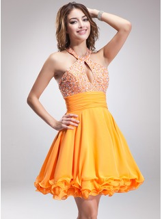 A-Line/Princess Halter Short/Mini Chiffon Homecoming Dress With Ruffle Beading
