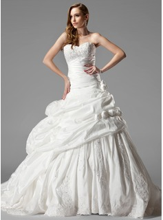 Ball-Gown Sweetheart Chapel Train Taffeta Wedding Dress With Ruffle Lace Flower