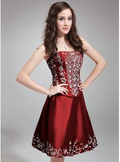 A-Line/Princess Sweetheart Knee-Length Taffeta Homecoming Dress With Embroidered Beading Sequins