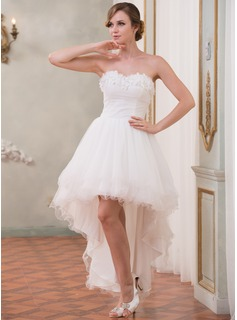 A-Line/Princess Sweetheart Asymmetrical Organza Tulle Wedding Dress With Ruffle Beading Flower(s)