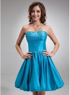 A-Line/Princess Sweetheart Knee-Length Taffeta Homecoming Dress With Beading (022020629)