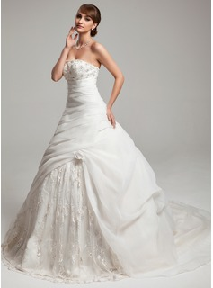 Ball-Gown Sweetheart Court Train Organza Lace Wedding Dress With Ruffle Beadwork Flower(s)
