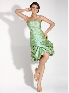 A-Line/Princess Sweetheart Knee-Length Taffeta Cocktail Dress With Ruffle Beading (016016045)