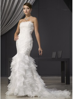 Trumpet/Mermaid Strapless Court Train Organza Wedding Dress With Lace Beading