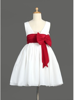 A-Line/Princess Scoop Neck Knee-Length Chiffon Flower Girl Dress With Ruffle Sash Bow(s)