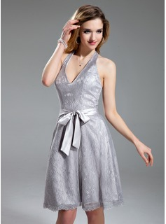 A-Line/Princess Halter Knee-Length Charmeuse Lace Homecoming Dress With Bow(s)