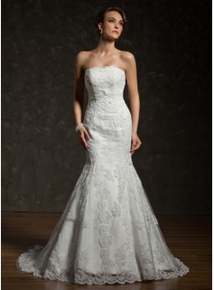 Trumpet/Mermaid Strapless Chapel Train Satin Tulle Wedding Dress With Lace