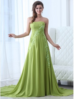 A-Line/Princess Strapless Chapel Train Chiffon Evening Dress With Ruffle Appliques Lace