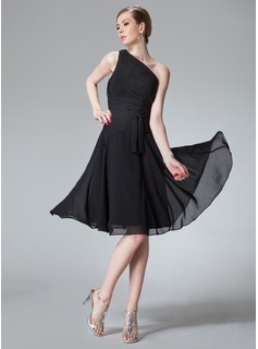 A-Line/Princess One-Shoulder Knee-Length Chiffon Bridesmaid Dress With Ruffle (007013958)