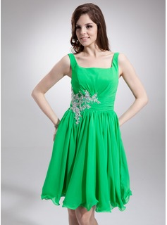 A-Line/Princess Square Neckline Knee-Length Chiffon Homecoming Dress With Ruffle Lace Beading (022016250)