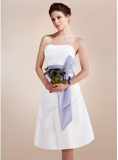 A-Line/Princess Sweetheart Knee-Length Taffeta Wedding Dress With Ruffle Sashes Crystal Brooch (002001583)