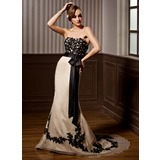 Trumpet/Mermaid Sweetheart Court Train Organza Wedding Dress With Lace Beading Sequins Bow(s)