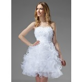 A-Line/Princess Sweetheart Knee-Length Organza Homecoming Dress With Ruffle Beading Flower(s) (022020751)