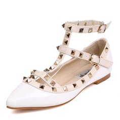 Women's Leatherette Flat Heel Flats Closed Toe With Rivet shoes (086094415)