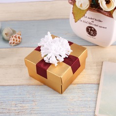Flower Design Cuboid Favor Boxes With Flowers