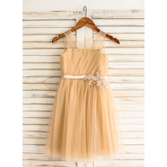 A-Line/Princess Knee-length Flower Girl Dress - Tulle Sleeveless Scoop Neck With Appliques/Pleated/V Back