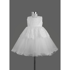 A-Line/Princess Knee-length Flower Girl Dress - Satin Sleeveless Scoop Neck With Lace/Bow(s)