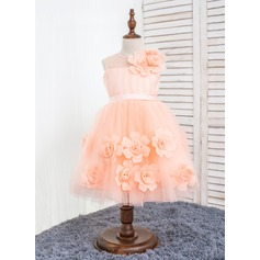 A-Line/Princess Knee-length Flower Girl Dress - Polyester/Chinlon Sleeveless Scoop Neck With Flower(s)/Bow(s)