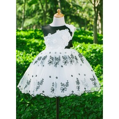 Ball Gown Knee-length Flower Girl Dress - Satin Sleeveless Scoop Neck With Beading/Flower(s)/Bow(s)
