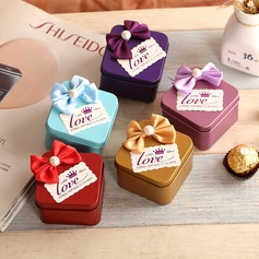 Cuboid Favor Tin With Bow