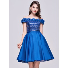 A-Line/Princess Off-the-Shoulder Knee-Length Taffeta Sequined Homecoming Dress With Flower(s)