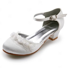 Satin Low Heel Closed Toe Flats Wedding Shoes With Buckle Stitching Lace (047011900)