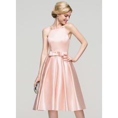 A-Line/Princess Square Neckline Knee-Length Satin Homecoming Dress With Bow(s)