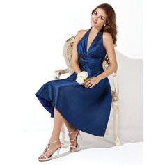A-Line/Princess Halter Knee-Length Taffeta Bridesmaid Dress With Ruffle Bow(s)