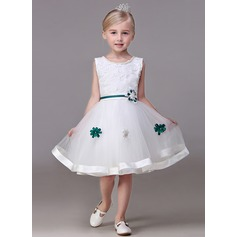 A-Line/Princess Knee-length Flower Girl Dress - Tulle Sleeveless Jewel With Beading/Flower(s)
