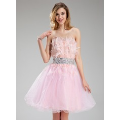 A-Line/Princess Strapless Knee-Length Tulle Homecoming Dress With Beading