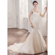 Trumpet/Mermaid Sweetheart Chapel Train Organza Lace Wedding Dress