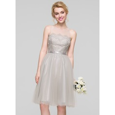 A-Line/Princess Scoop Neck Knee-Length Tulle Bridesmaid Dress
