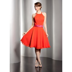 A-Line/Princess Scoop Neck Knee-Length Chiffon Bridesmaid Dress With Sash