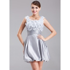 A-Line/Princess Scoop Neck Short/Mini Taffeta Homecoming Dress With Ruffle Beading Flower(s)