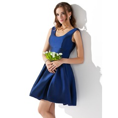 A-Line/Princess Scoop Neck Short/Mini Taffeta Homecoming Dress
